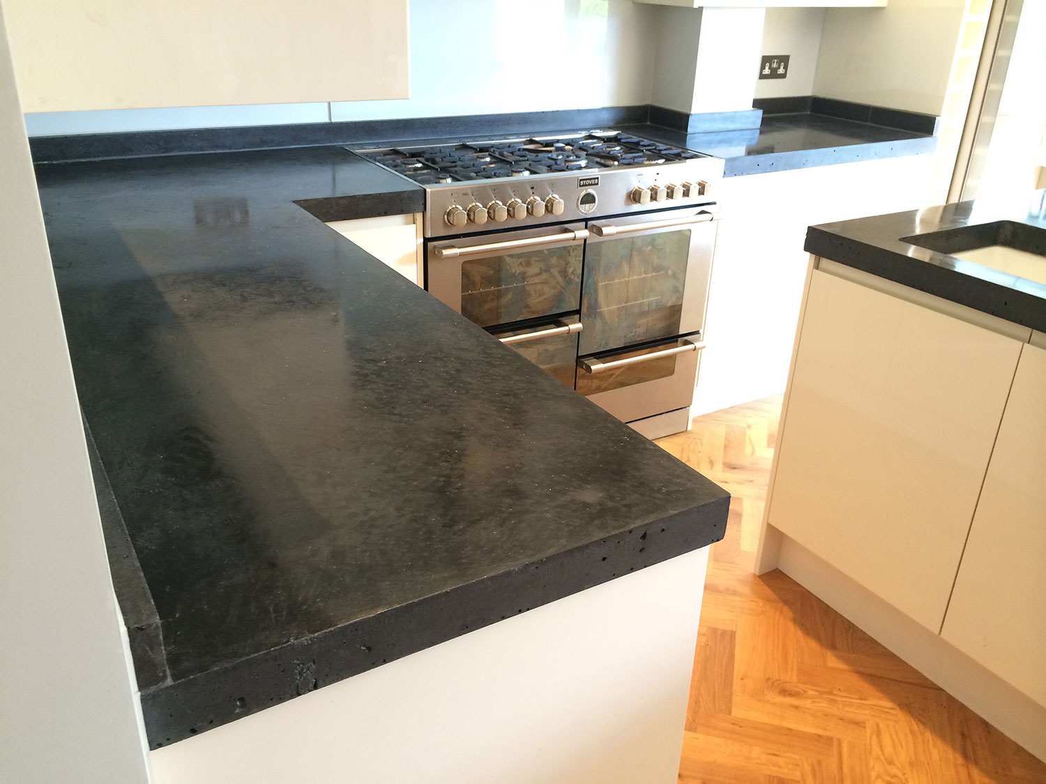 Conscious Forms Forest Hill L Shaped Polished Concrete Kitchen Worktop Large Cut Out For Range