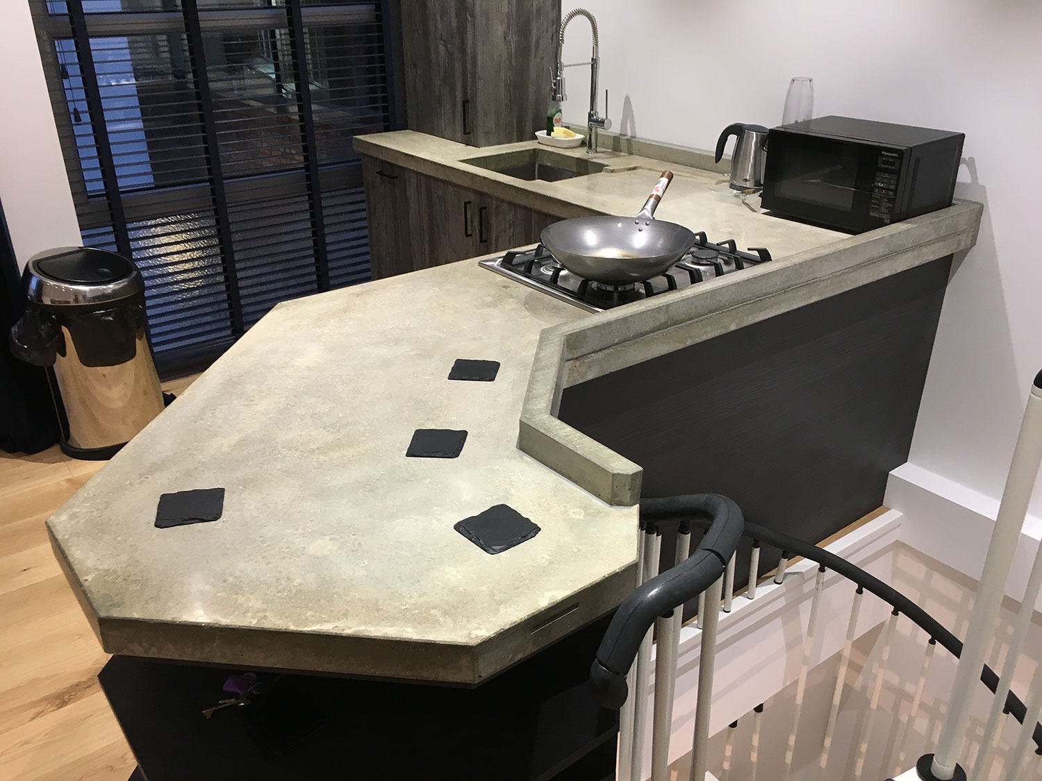 Conscious Forms -  bermondsey london polished concrete worktop seamless splashback detail landscape